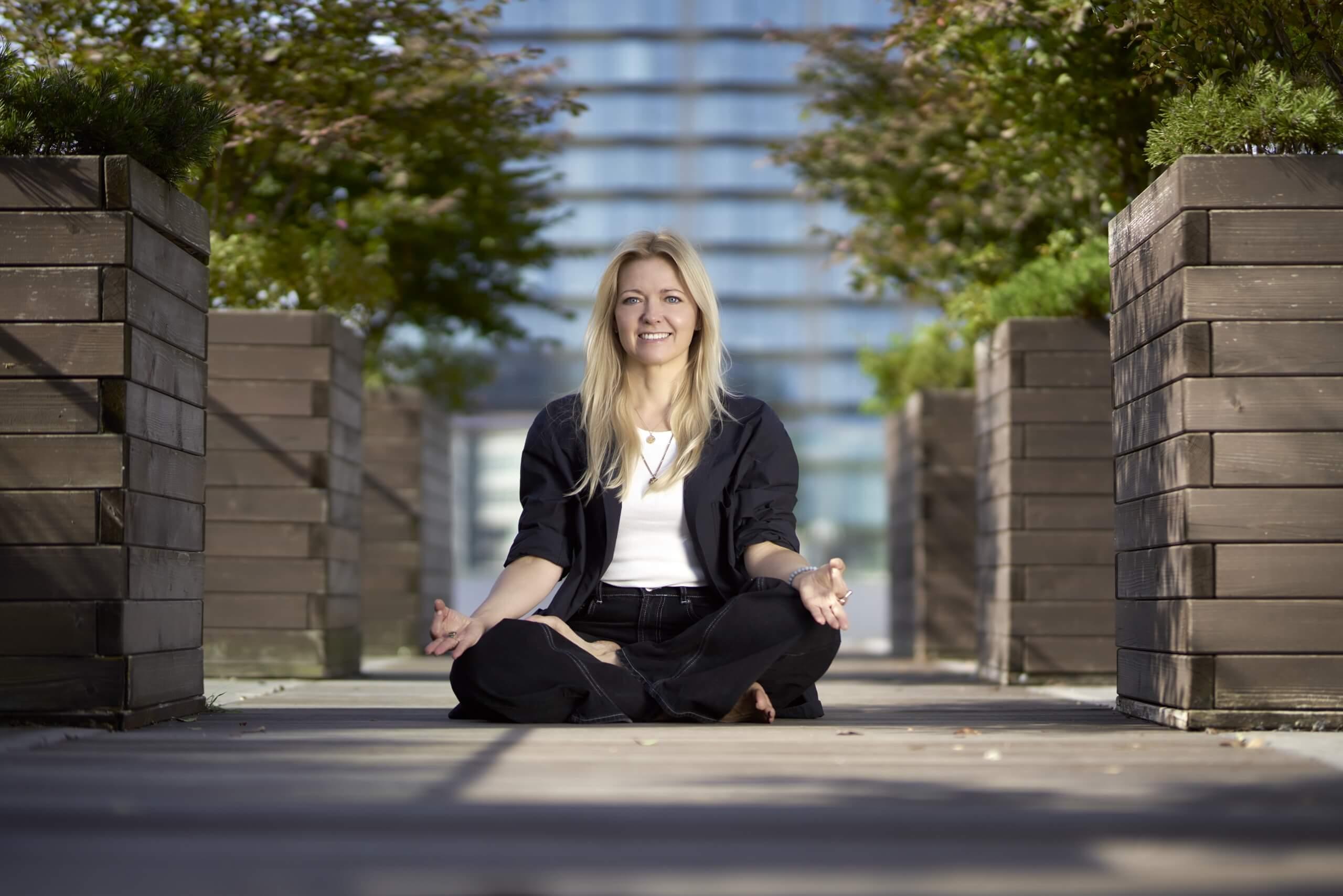 I am Katarzyna Terlecka, Authentic Empowerment Coach for Career and Entrepreneur Women.